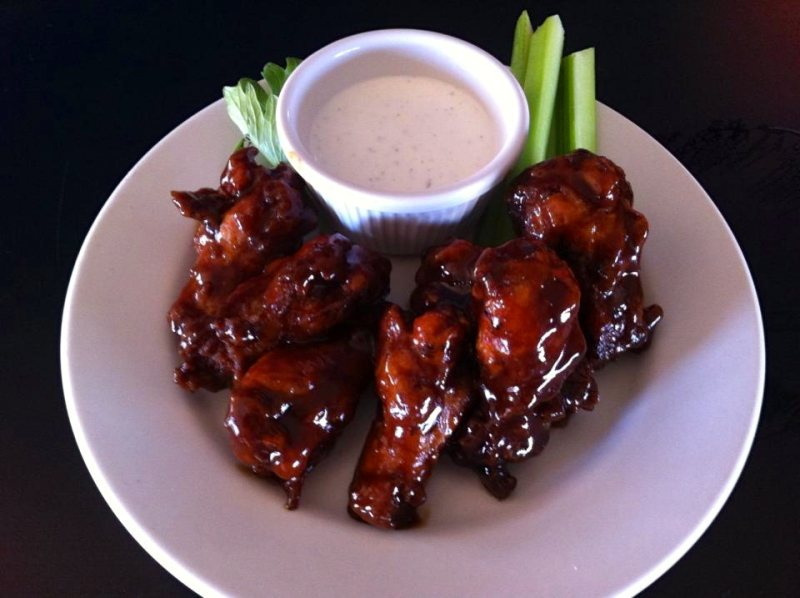 Chicken wings at Parrots Cracker San Felipe Bar and Grill