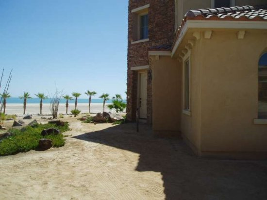 http://mysanfelipevacation.com/custimages/Condo744Side1.jpg