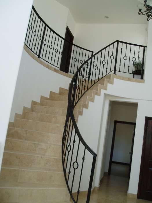 http://mysanfelipevacation.com/custimages/Condo744Stairs1.jpg