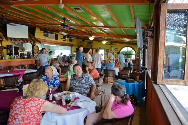 Vacationers dining in La Vaquita san felipe restaurant