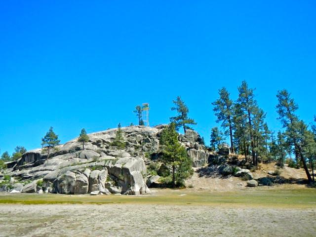 Beautiful rocks at Laguna Hanson