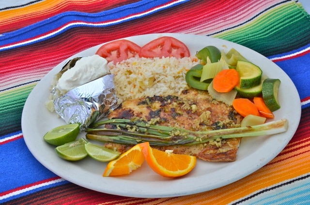 Rosita Restaurant: Fish and rice plate