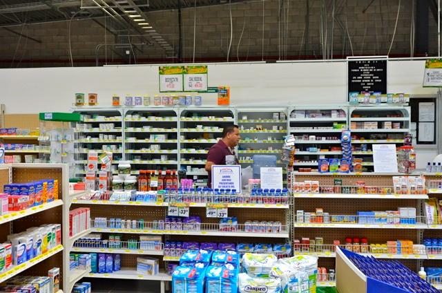 Bodega Aurrera superstore pharmacy shelves