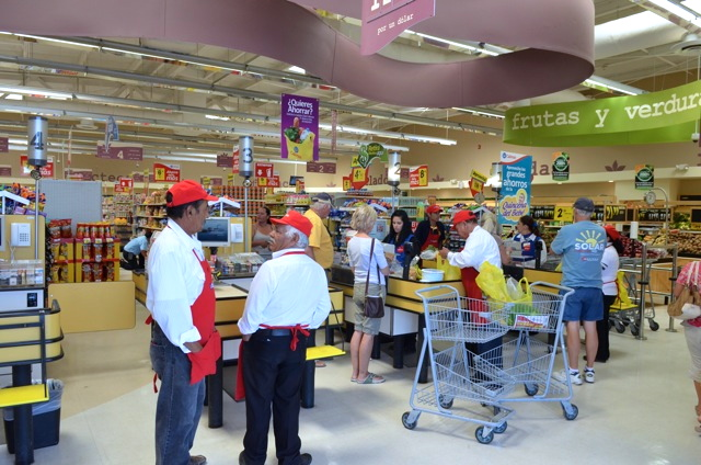 Calimax San Felipe check-out counter