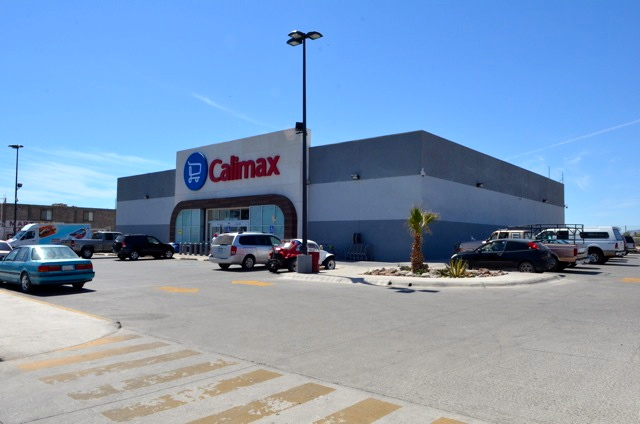 Calimax supermarket San Felipe, Baja California, Mexico