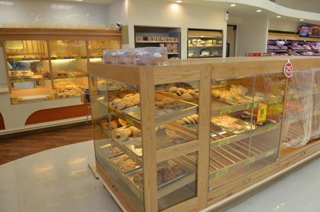 Calimax grocery store bakery