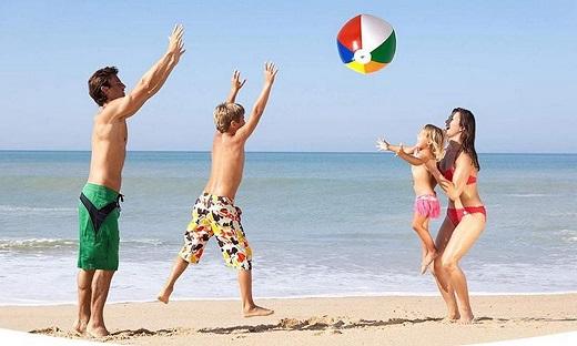 Play 500 on the beach in San Felipe