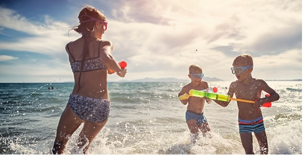 kids on vacation in San Felipe playing with Squirt Water Guns