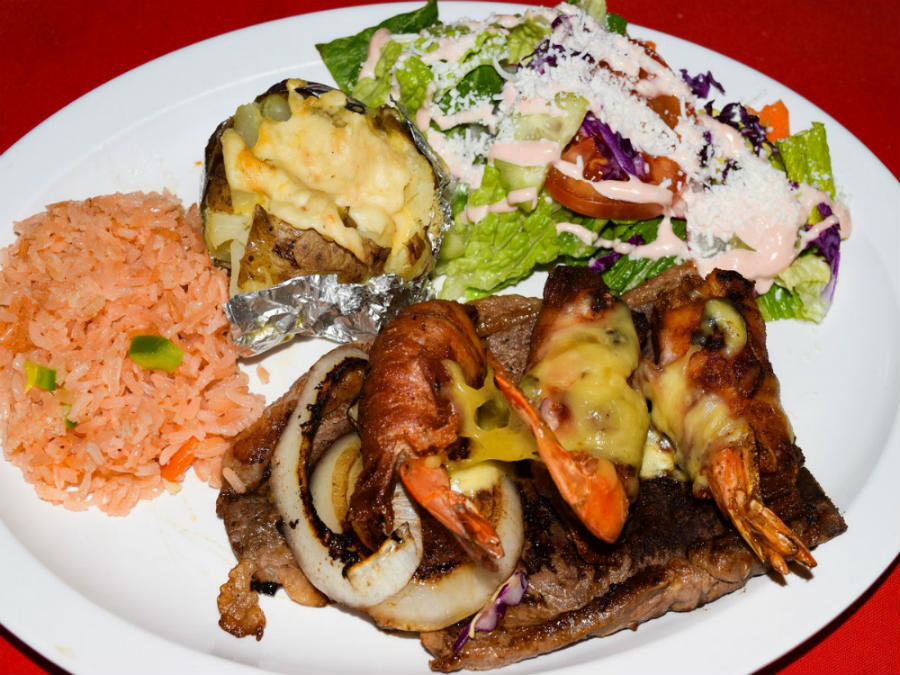 Grilled fish with salad at Chuy's Place San Felipe