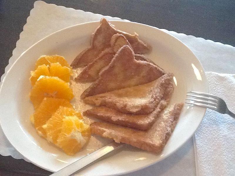 La Cabana restaurant San Felipe - Toasted bread with oranges