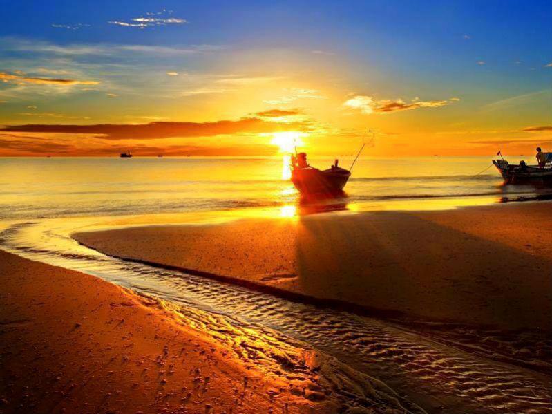 san felipe boat on lake sunrise